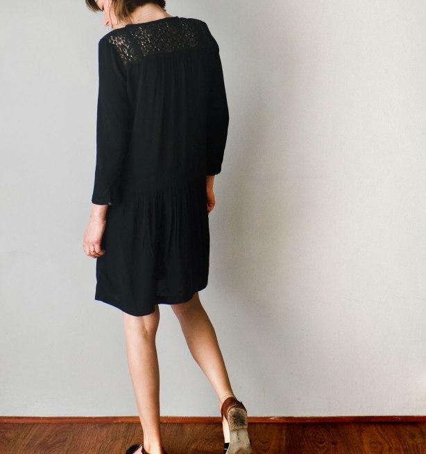 new-black-lace-dress-back